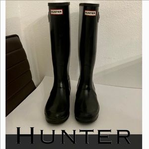 Authentic Hunter tall black rubber rain boots sz 9